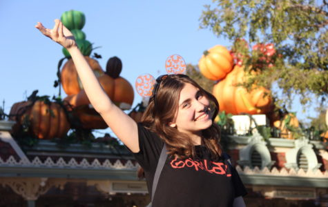 Sophomore Ava Roach enjoying her time at Disneyland looking at the halloween decorations set up for the fall season.