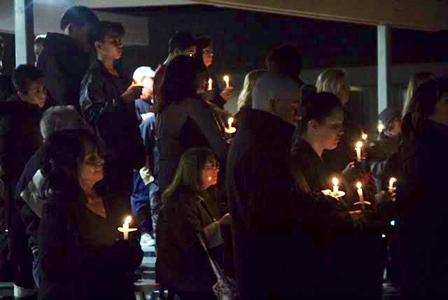 Candlelight Vigil Honors Plane Crash Victims