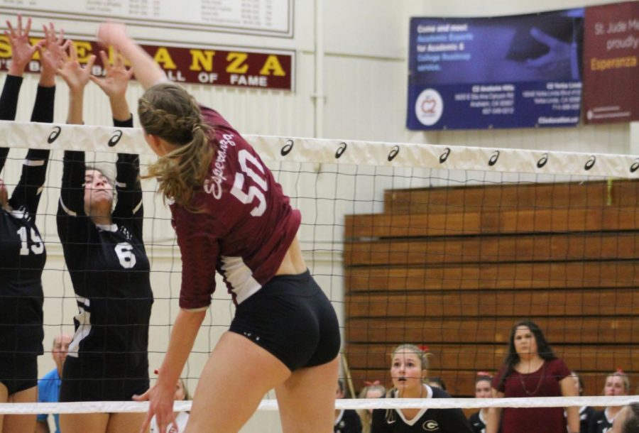 Elyse+Stowell+making+a+block+against+Glendora+at+the+first+round+of+CIF.